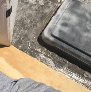 platform and towel keep my legs cool